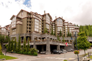 1027_4090WhistlerWay.01